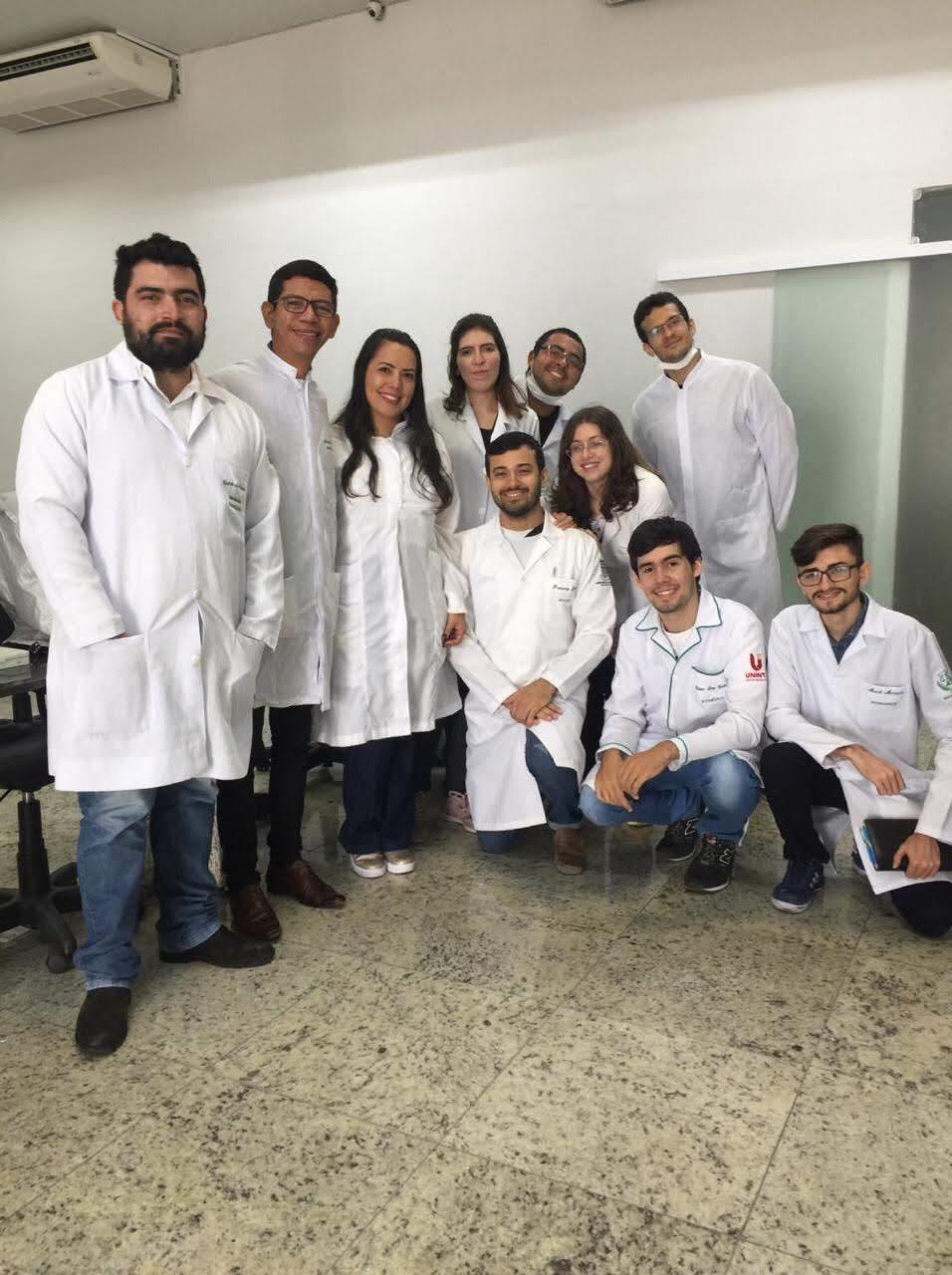 Turmas de 2019 dos alunos do Mestrado em Biotecnologia UNINTA na aula de Microbiologia Aplicada com a docente Prof. Gleciane pós- doutoranda do Mestrado em Biotecnologia
