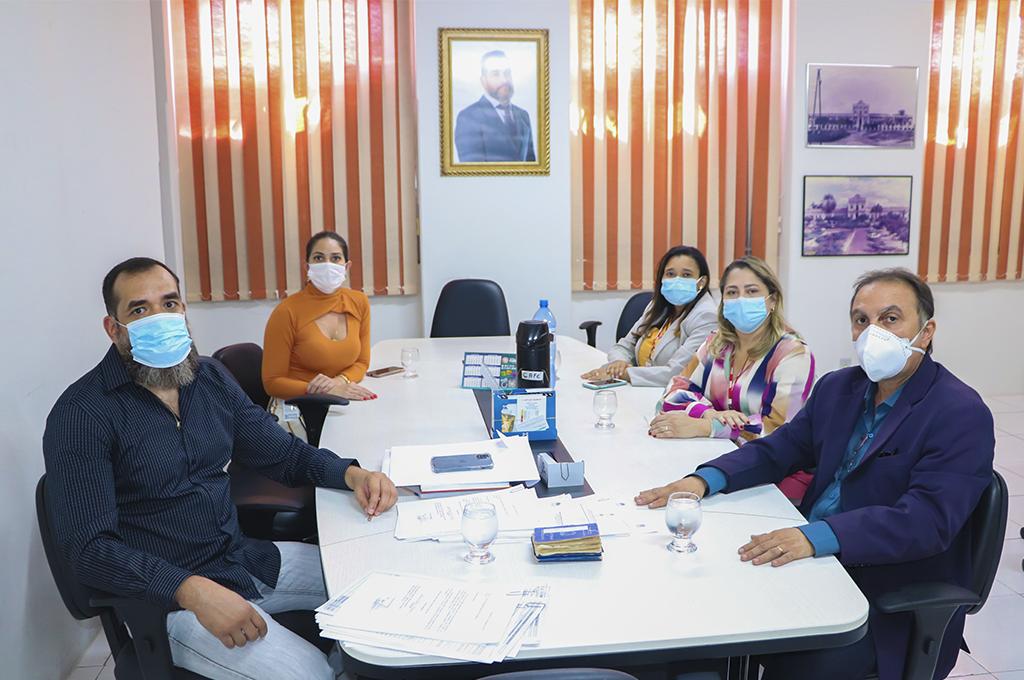 Curso de Odontologia do UNINTA formaliza entrega e visita obras do Consultório Odontológico na Santa Casa de Sobral